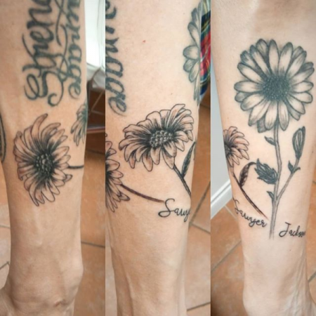 Daisy Tattoo - Revolution Ink
